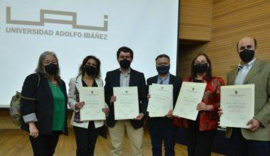 Alumnos graduados de Magíster reciben sus diplomas